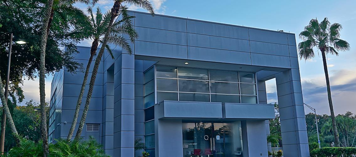 Outside of Sarasota Plastic Surgery Center